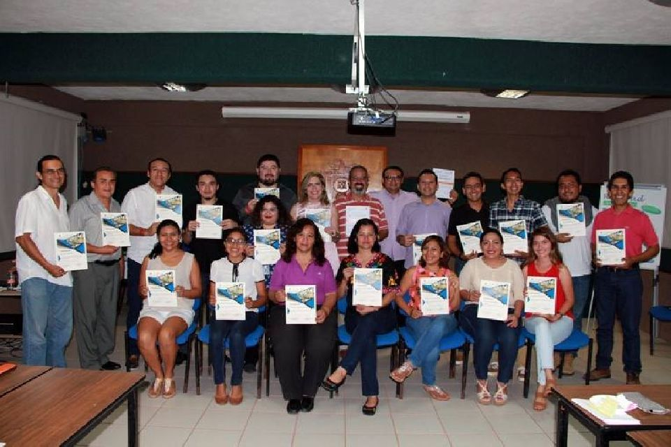 Taller de Marketing Social en el Ámbito del Desarrollo Sostenible en UA Cozumel